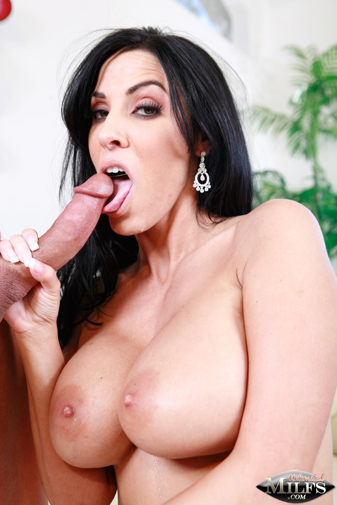 Veronica Rayne Licking